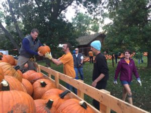 Papa's Pumpkin Patch - Unloading Pumpkins